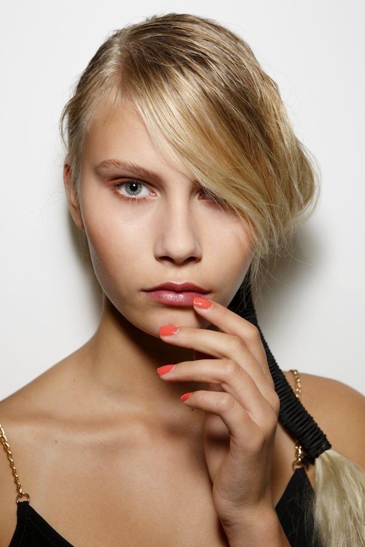 Manicure: trendy wiosna-lato 2015, Bora Aksu, fot. Imaxtree
