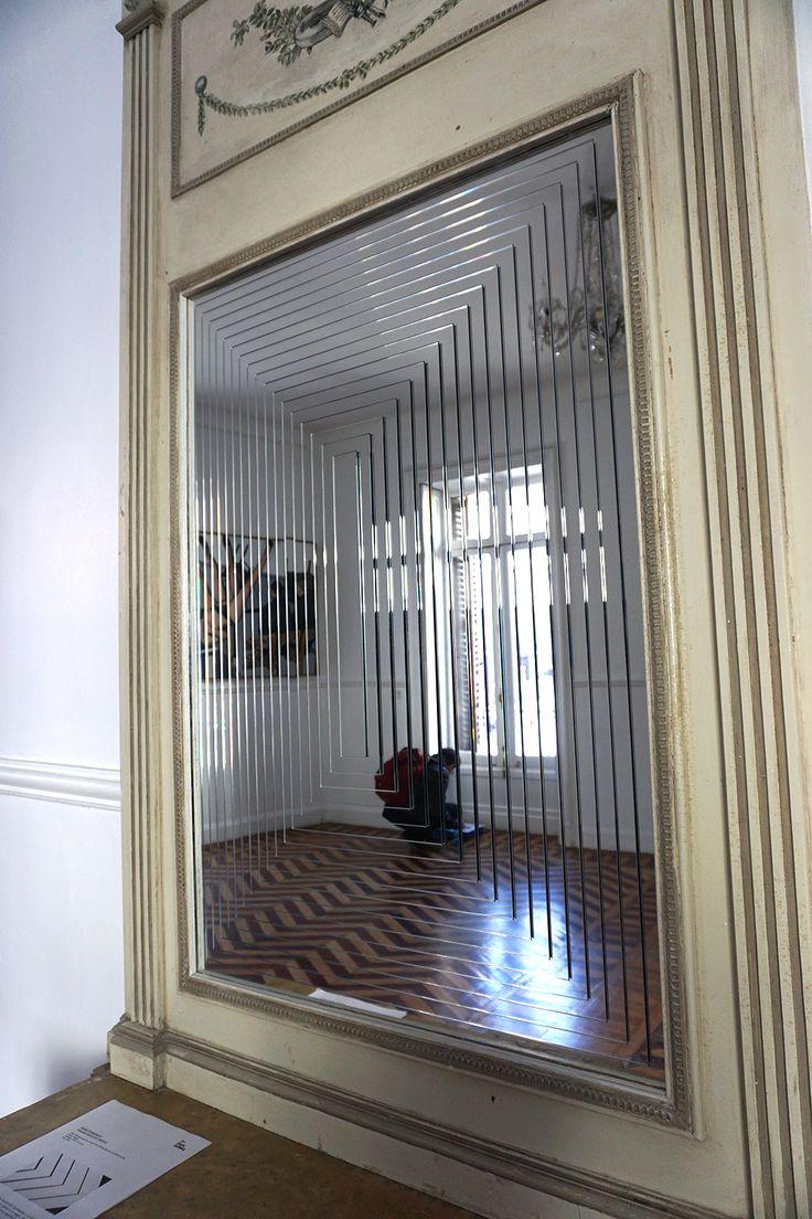 """Pirámide especular vertical"" Iñaki Domingo en #CasaLeibniz II Palacio de Santa Bárbara #Madrid Arte #Art #ArteContemporáneo #ContemporaryArt #ArteEspañol #FeriaDeArte #ArtFair #Arterecord 2016 https://twitter.com/arterecord"