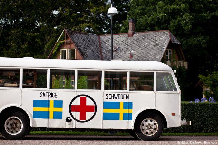 Schwedisches Krankenhaus auf Rädern oder Wohnmobilferien? Swedish hospital on the road or just RV holidays? #Schweden #Camper #Notarzt #Sweden #emergency #RVholidays #campingvan