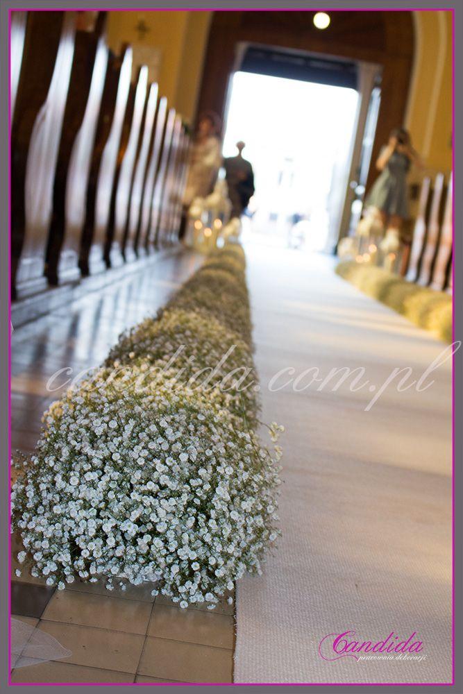 dekoracja ślubna kościoła z gipsówki