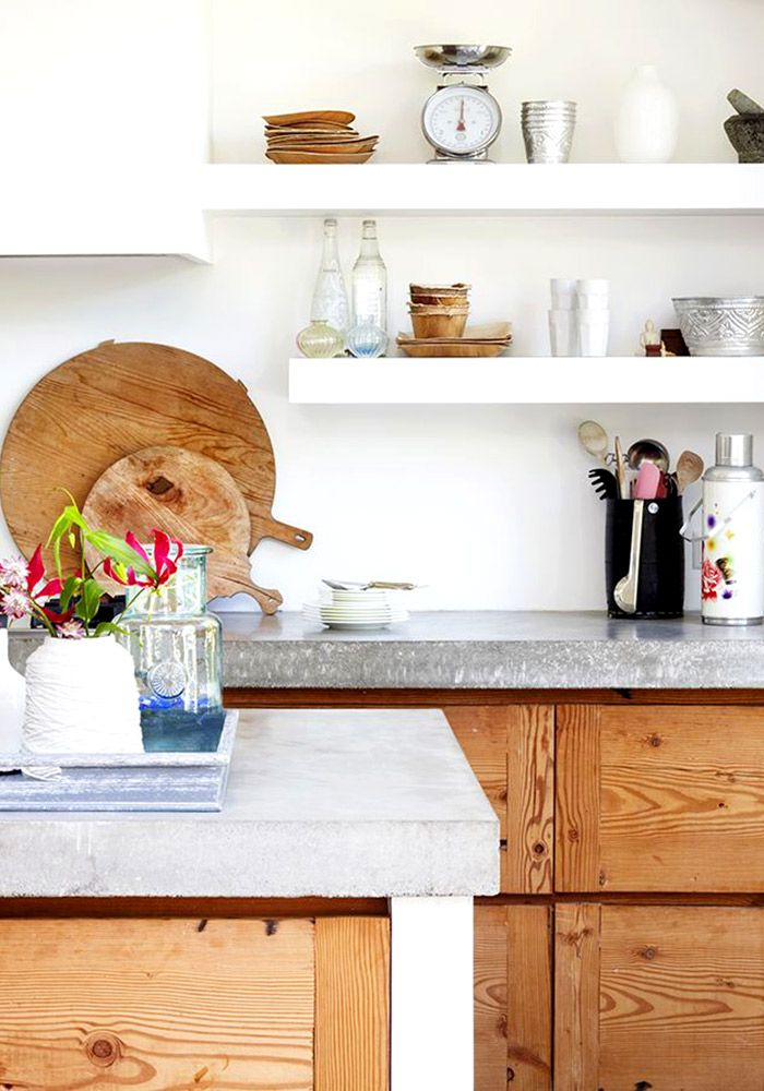 Open shelves in the kitchen details