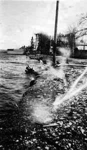 Inondation du Lac St-Jean le 3 juin 1947 sur la rue Notre-Dame à Roberval.