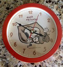 Snoopy Woodstock Vintage Wall Clock, Red Trim, Excellent Condition Elaborate Wor
