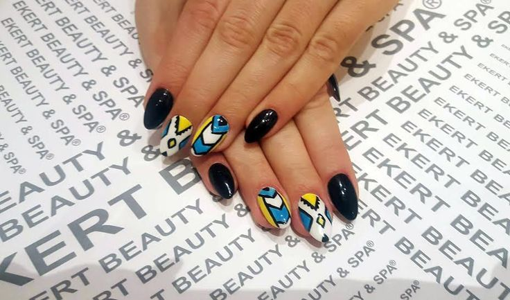 Nail Art Designs! Perfect manicure.  Shellac, CND, Vinylix #ekert #nails