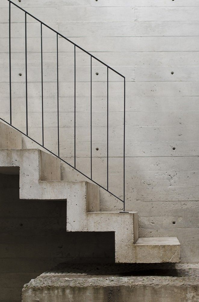 slick concrete stairs / Casa BC / 3ARCH