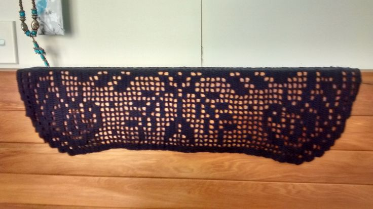 coffee table cloth, fillet in black
