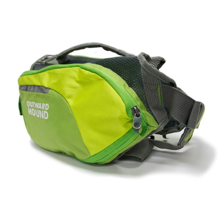¡Las alforjas DayPak son una delicia para los amantes de las excursiones en compañía de su perro! Una mochila para perros de mediana capacidad con estilo de alforjas laterales, es ideal tanto para escapadas rápidas como para los quehaceres cotidianos.