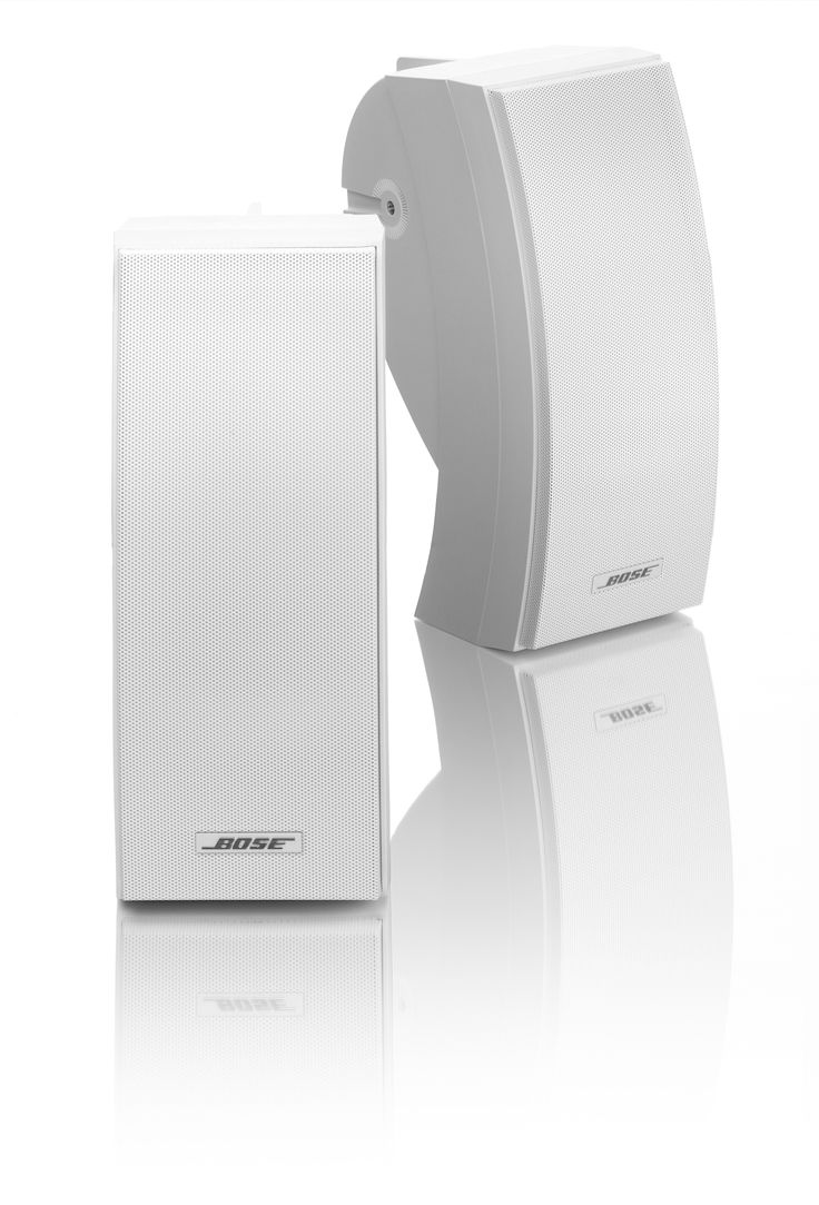 Bose 251 Wit  De innovatieve Bose 251 weerbestendige luidsprekers zijn voorzien van een Articulated Array-luidsprekerontwerp voor een extreem breed geluidsveld. Elke weerbestendige luidsprekerbehuizing bevat twee luidsprekers die onder een nauwkeurige hoek zijn geplaatst zodat u overal in het luistergebied stereogeluid ervaart. Daarnaast beschikt de Bose 251-luidsprekerkast voor buiten over een uniek ontwerp met meerdere ruimten waardoor hoorbare vervorming van lage frequenties wordt…
