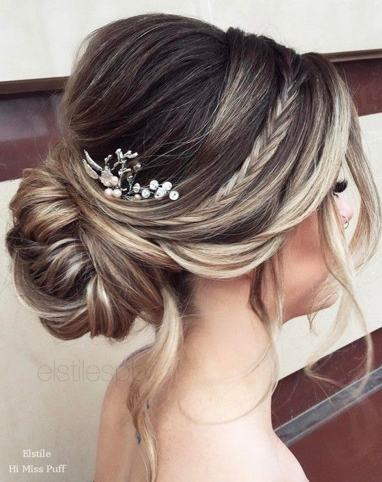 Long Wedding Hairstyles from Elstile / http://www.himisspuff.com/long-wedding-hairstyles-from-elstile/11/