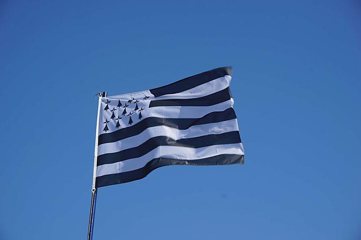 #bleu #bretagne #ciel #drapeau #drapeau breton