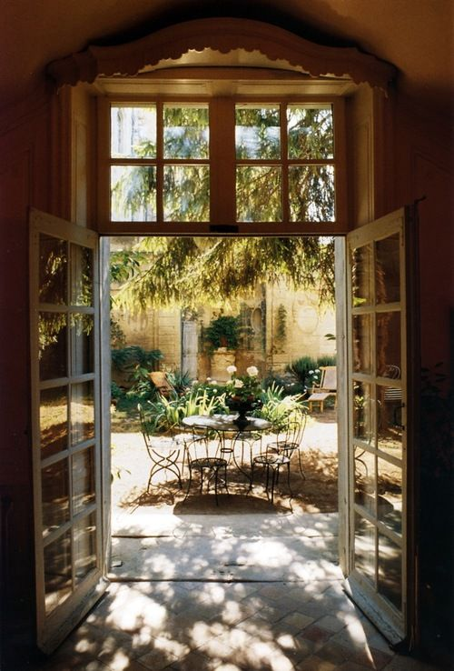 .how I would love a courtyard