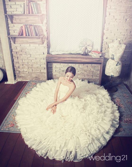 [웨딩드레스] 봄 꽃보다 아름다운 그녀를 위한 봄 웨딩드레스 Best 5| Daum라이프