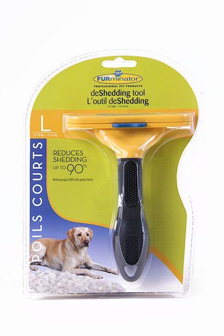 Furminator Outil Professionnel pour Limiter la Chute de Poils pour Chiens à Poil Court Grand Aide à réduire la perte de poils jusqu'à 90%. Son bord en acier inoxydable atteint facilement le sous-poil pour retirer en toute sécurité les poils morts, sans endommager le pelage ni risquer de couper ou d'irriter la peau. Pour les chiens allant de 51 à 90 lbs