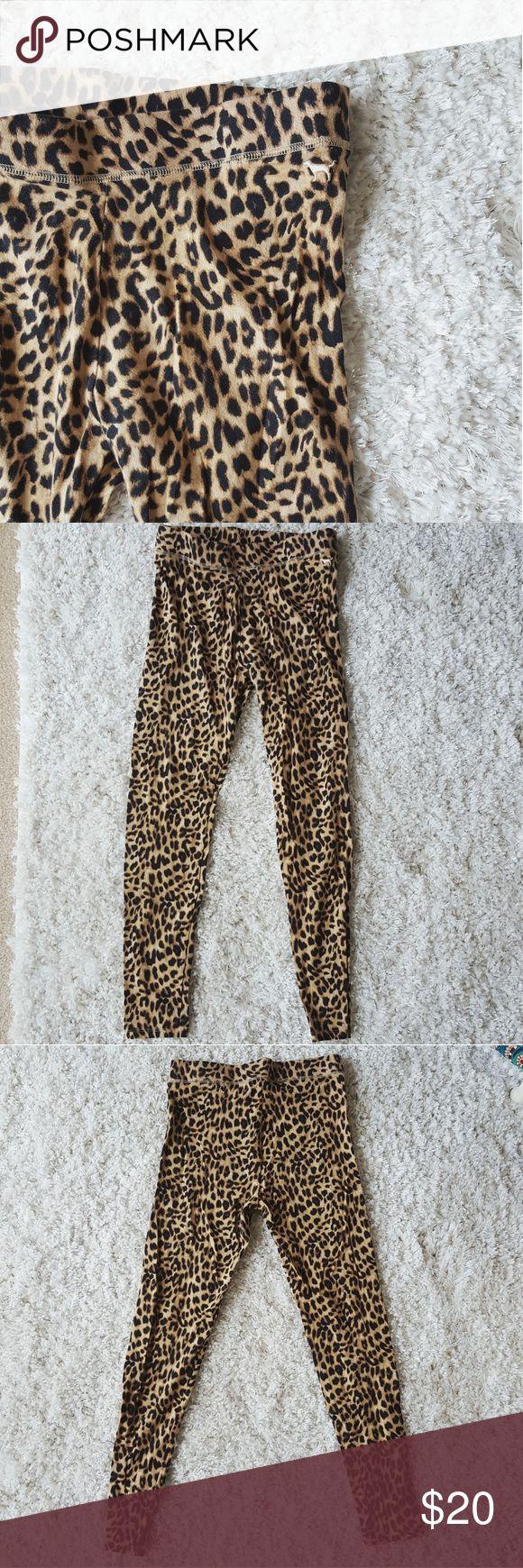VS Pink Cheetah Leggings Slim fit cotton leggings  Size S Super comfy! Great condition PINK Victoria's Secret Pants Leggings