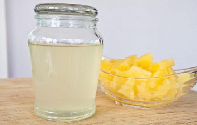 Ako si vyrobiť ananásovú vodu a aké sú výhody jej pitia na prázdny žalúdok | Top Magazín