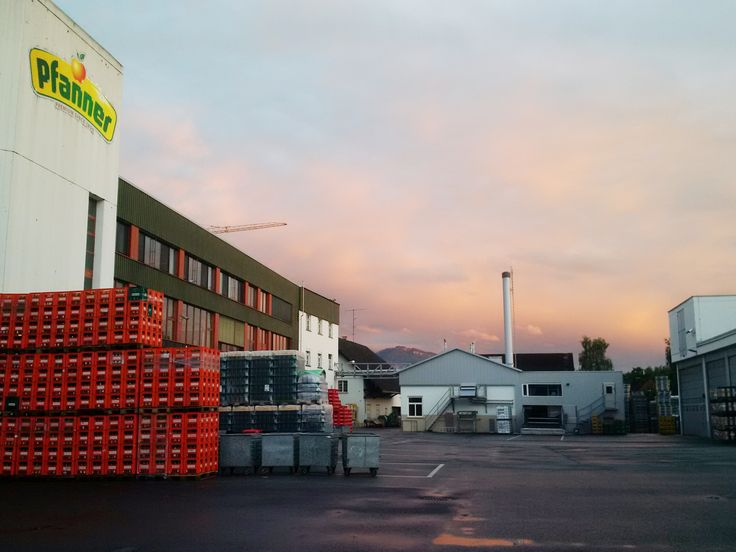 """Energieoptimierte Lagerverwaltung: Pfanner spart mit neuem Hochregallager richtig """"Saft"""" - http://www.logistik-express.com/energieoptimierte-lagerverwaltung-pfanner-spart-mit-neuem-hochregallager-richtig-saft/"""