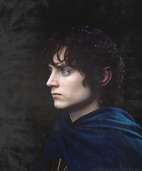 Oh my goodness! His eyes are so blue! #Frodo #lotr #thehobbit love him!