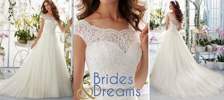 En Marzo Brides and Dreams tiene hasta el 30% en vestidos de novia seleccionados! Visítanos en Portal de Bodas Guatemala