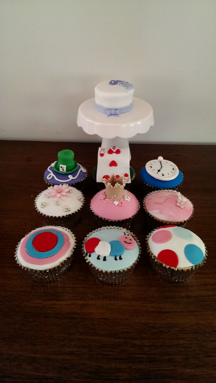4 themed cupcakes by deliciousart