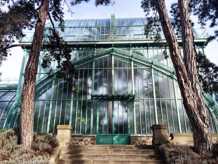 TheUnpretentiousGuideToParis: greenhouses of auteuil