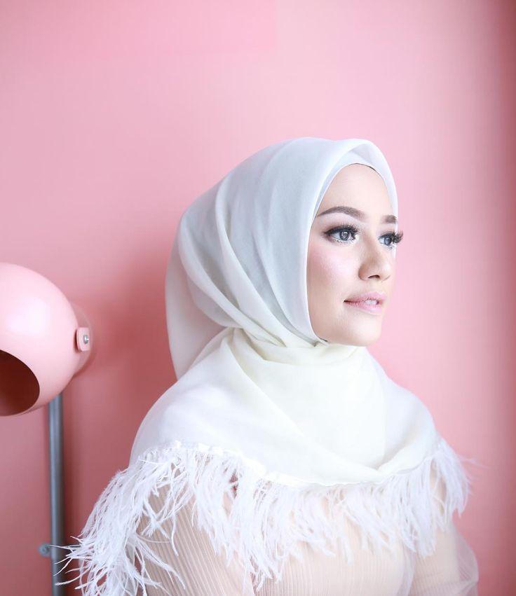 Hijab Wedding / Muslim Brides / Akad Nikah Makeup / Wedding Make Up on Instagram ☁ @terosha ☁