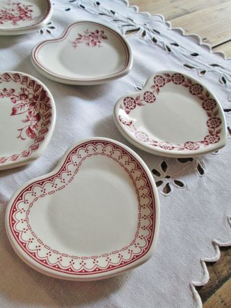Heart shaped plates & 131 best Heart plates images on Pinterest | Dishes Dinner plates ...