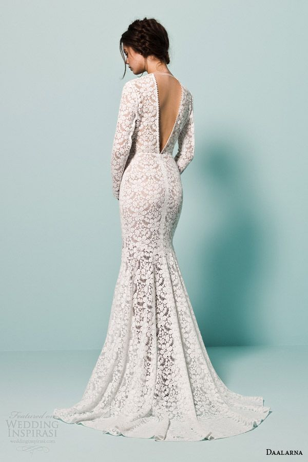 Best 25 crochet wedding dresses ideas on pinterest for Lace wedding dress with pearls