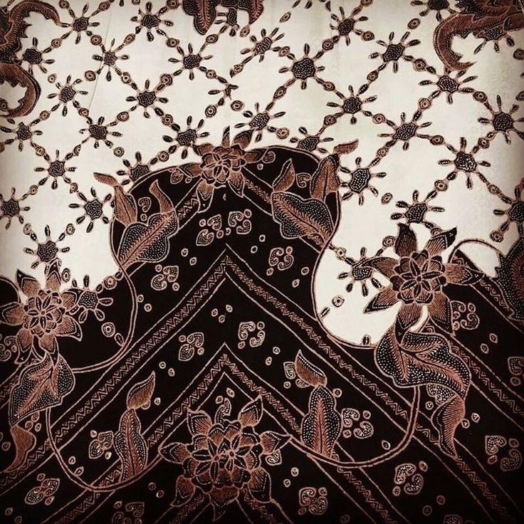 Batik sutra tulis - Pekalongan
