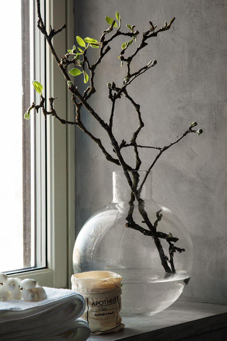 Styling: Pella Hedeby Foto: Sofi Sykfont, vase Skrufs glasbruk