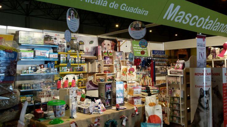 Detalles del interior del stand de Mascotalandia en la feria Surmascotas, en Fibes Sevilla | http://www.limagemarketing.es/portfolio/fibes-surmascotas-mascotalandia-2016/ | L'image Marketing | Agencia de Publicidad y Comunicación en Sevilla