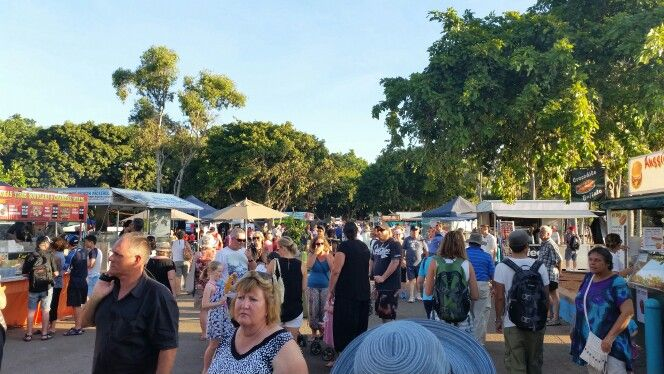 Mindil Beach Sunset Markets are a must do if in Darwin on a Thurs and Sun nights.  Love these multi cultural markets with their delish food and great entertainment. #gallivantingoz #gobycamper #NTAustralia