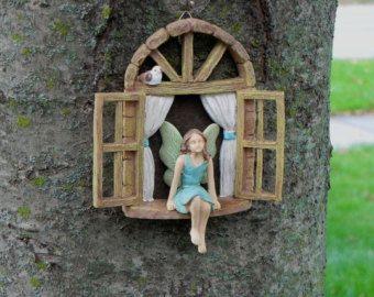 Fee Garten Zubehör Fenster mit sitzen MÄDCHEN von TheLittleHedgerow
