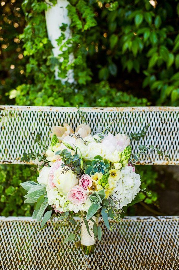 sweet organic bouquet // photo by KenKienow.com