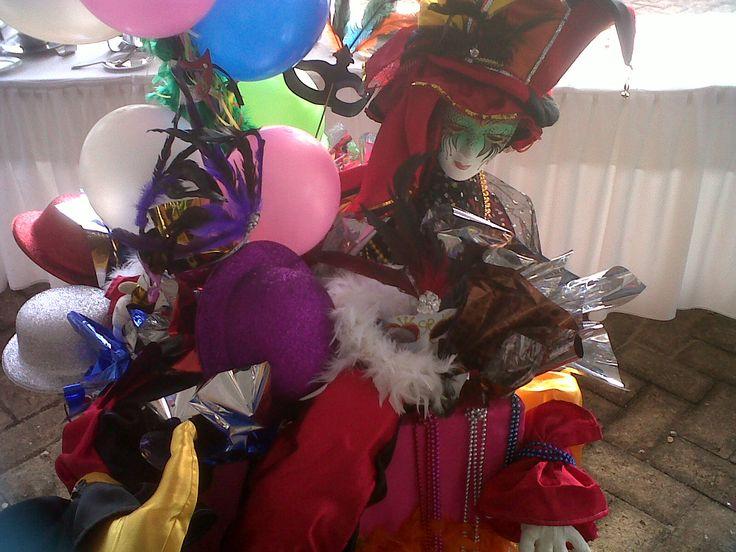 Arlequ n decoraci n para el centro del buffet motivo - Decoracion de carnaval ...