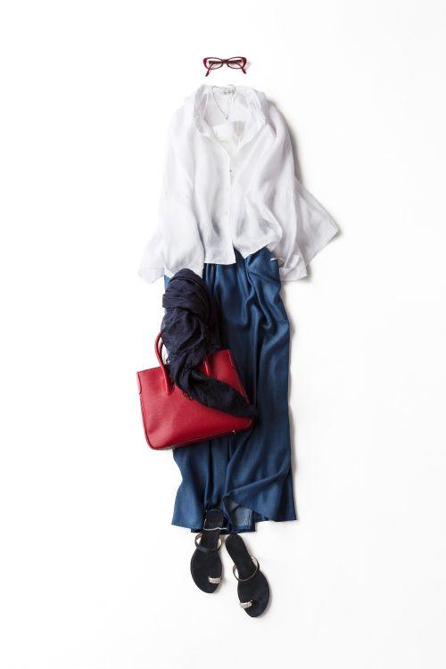 トリコロール配色をリラックスなシルエットで着る 2015-06-12 | skirt price :15,120 brand : ELFORBR | shoes price :25,920 brand : il Sandalo of Capri | bag price :34,560 brand : MAXIMA / HIGH-CLASS
