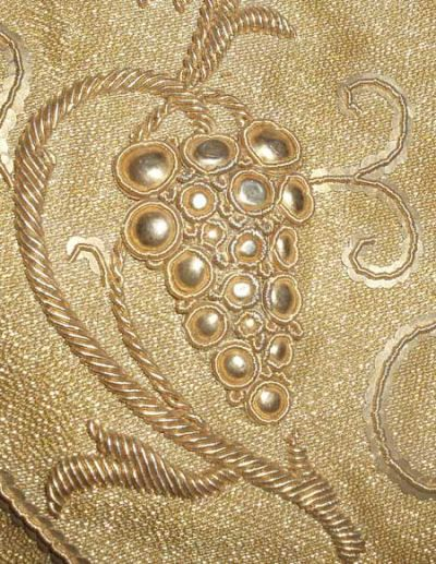 Goldwork – Up Close Photos of a Magnificent Piece – Needle'nThread.com