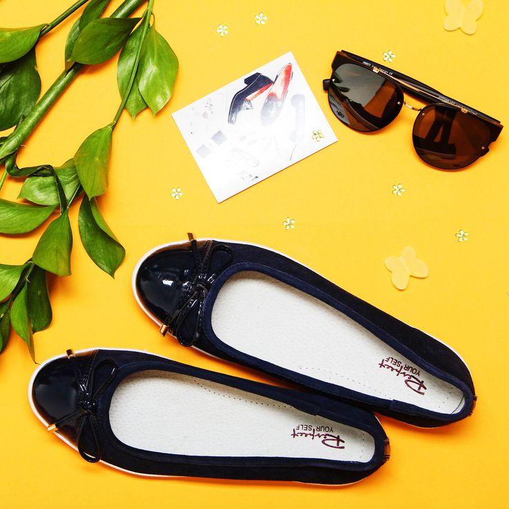 Respect советует: раз в неделю замените высокие каблуки на удобные балетки 💜Дайте Вашим красивым ножкам отдохнуть ✅ Балетки: FA038-011 Очки: J173388-1PZ #respectshoes #iloverespect #shoes #shopping #обувьреспект #шоппинг #весна #веснавrespectshoes