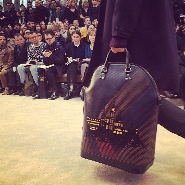 The St Ives bag with a cut-out London skyline - the #Burberry Menswear A/W14 show, live from London #LCM