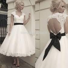 Картинки по запросу свадебные платья с кружевной спиной