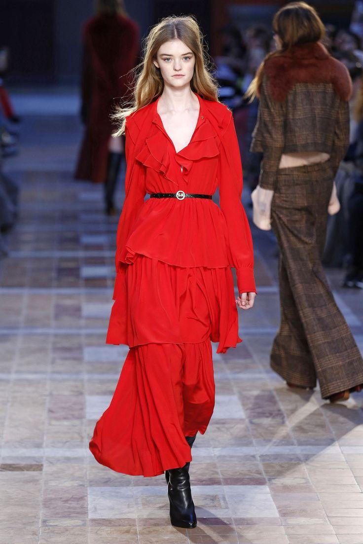 #red #sexi #fashion #woman #fashionweek
