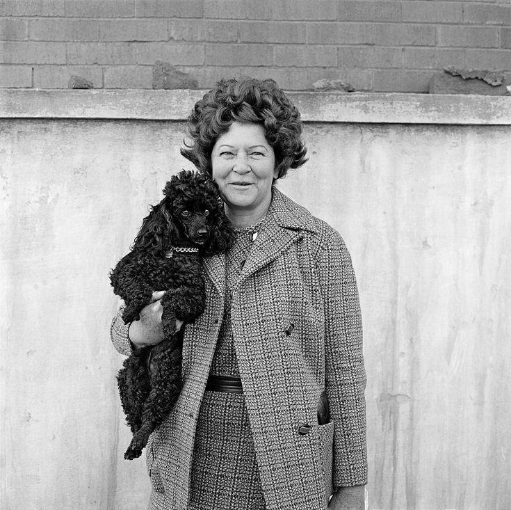David Goldblatt, A woman and her dog, Hillbrow, June 1972