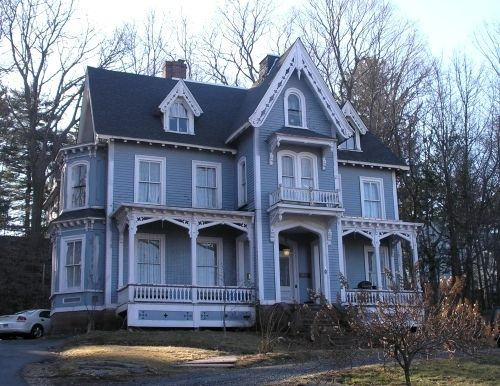17 best images about gothic revival homes on pinterest for Gothic revival homes for sale