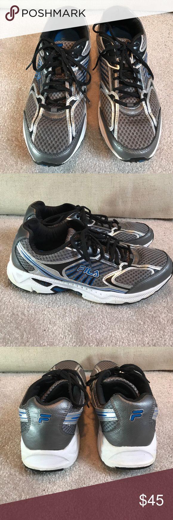 Men's Fila coolmax memory foam sneakers 11 Like new uppers. Barely worn soles. Fila Shoes Sneakers