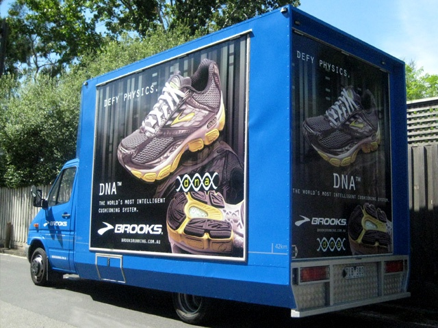 Brooks Running, Changeover Panel Graphics for short term advertising