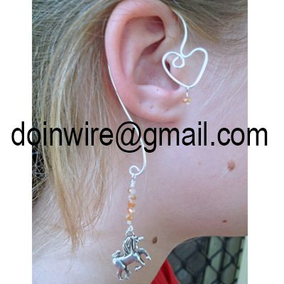 doinWire-DOW249 Ear Wrap, silver tone craft wire, top heart shape with caramel crystal bead, bottom loop with caramel crystal beads and silver tone unicorn. NO PIERCING REQUIRED