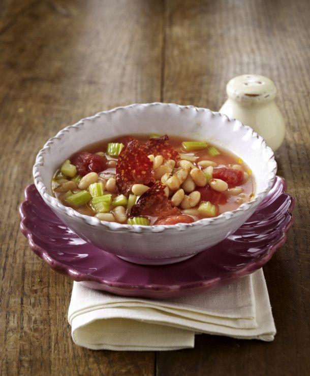 Unser beliebtes Rezept für Weiße Bohnensuppe mit Chorizo-Wurst und mehr als 55.000 weitere kostenlose Rezepte auf LECKER.de.