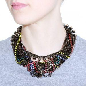 Ожерелье из переплетенных цепей и кристаллов
