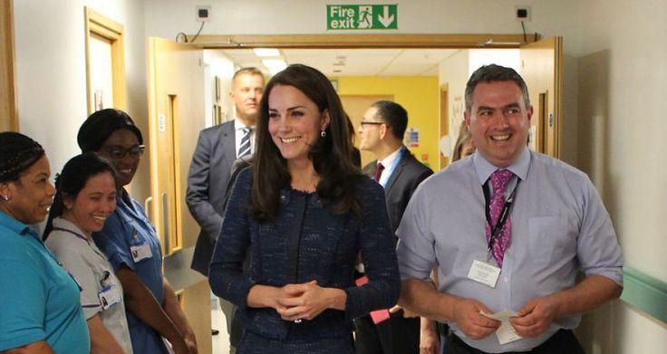 EN IMAGES. Kate Middleton au chevet des blessés des attentats de Londres