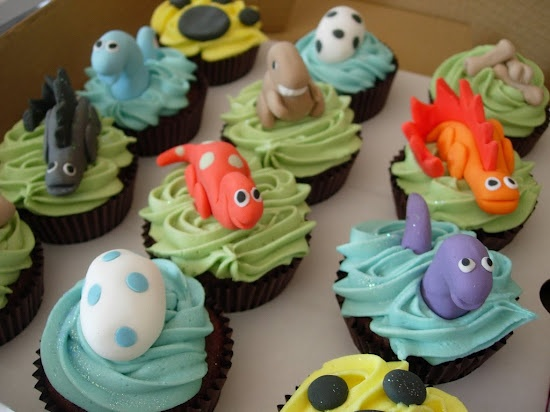 Dinosaur cupcake ideas for a Dinosaur themed birthday party.