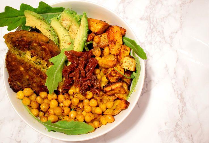 Vegetarische Bowl (klik op de foto voor het recept) Liefs, Healthy Wanderlust
